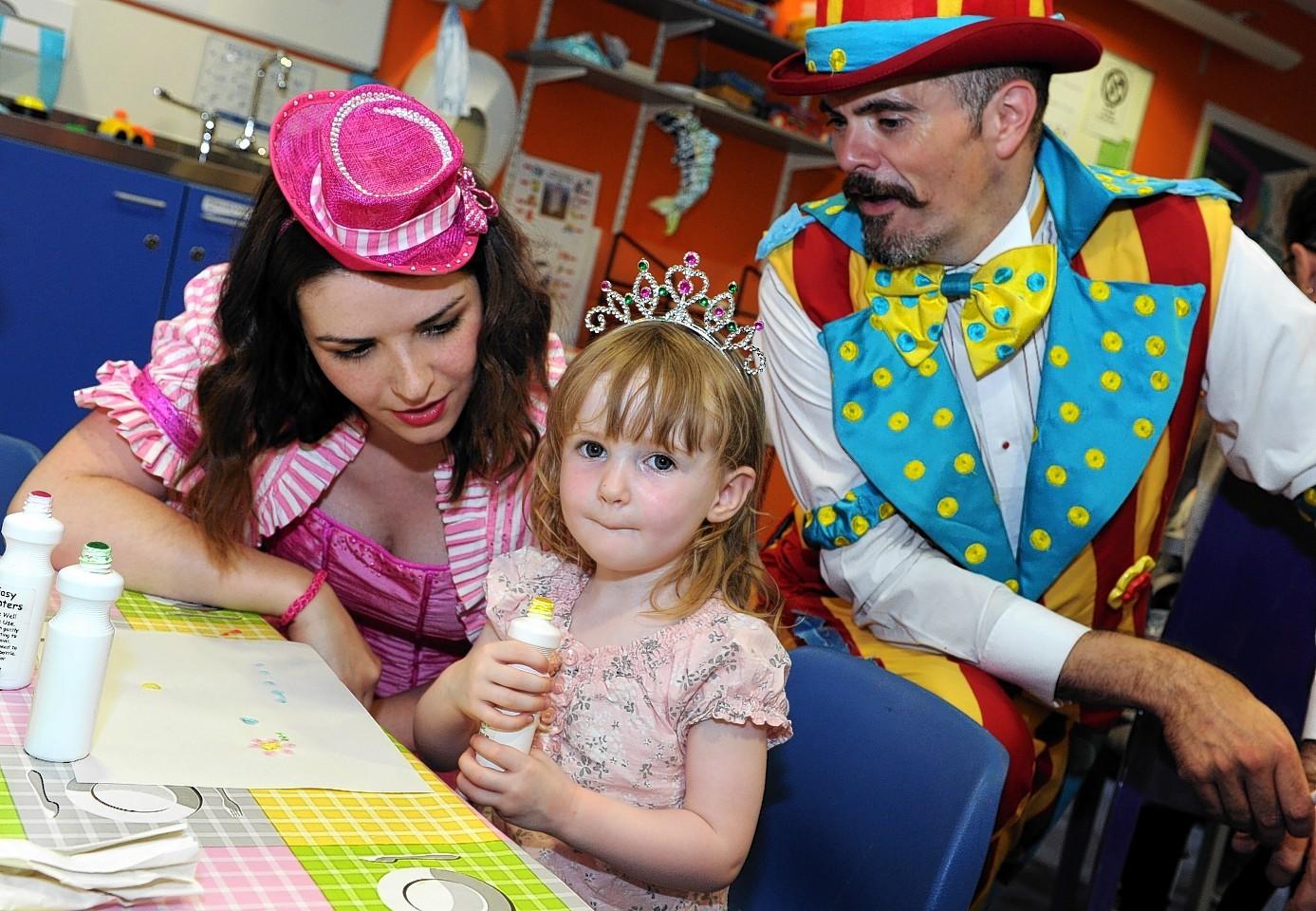 Singing Kettle visit Royal Aberdeen Children's Hospital