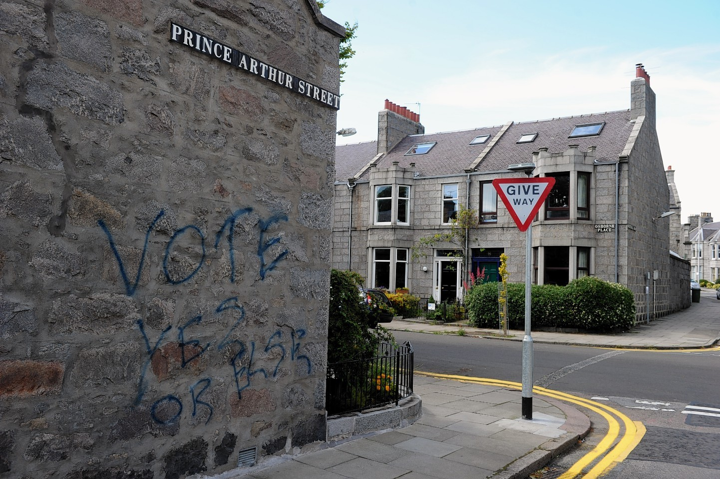 Vote Yes graffiti on Prince Arthur Street