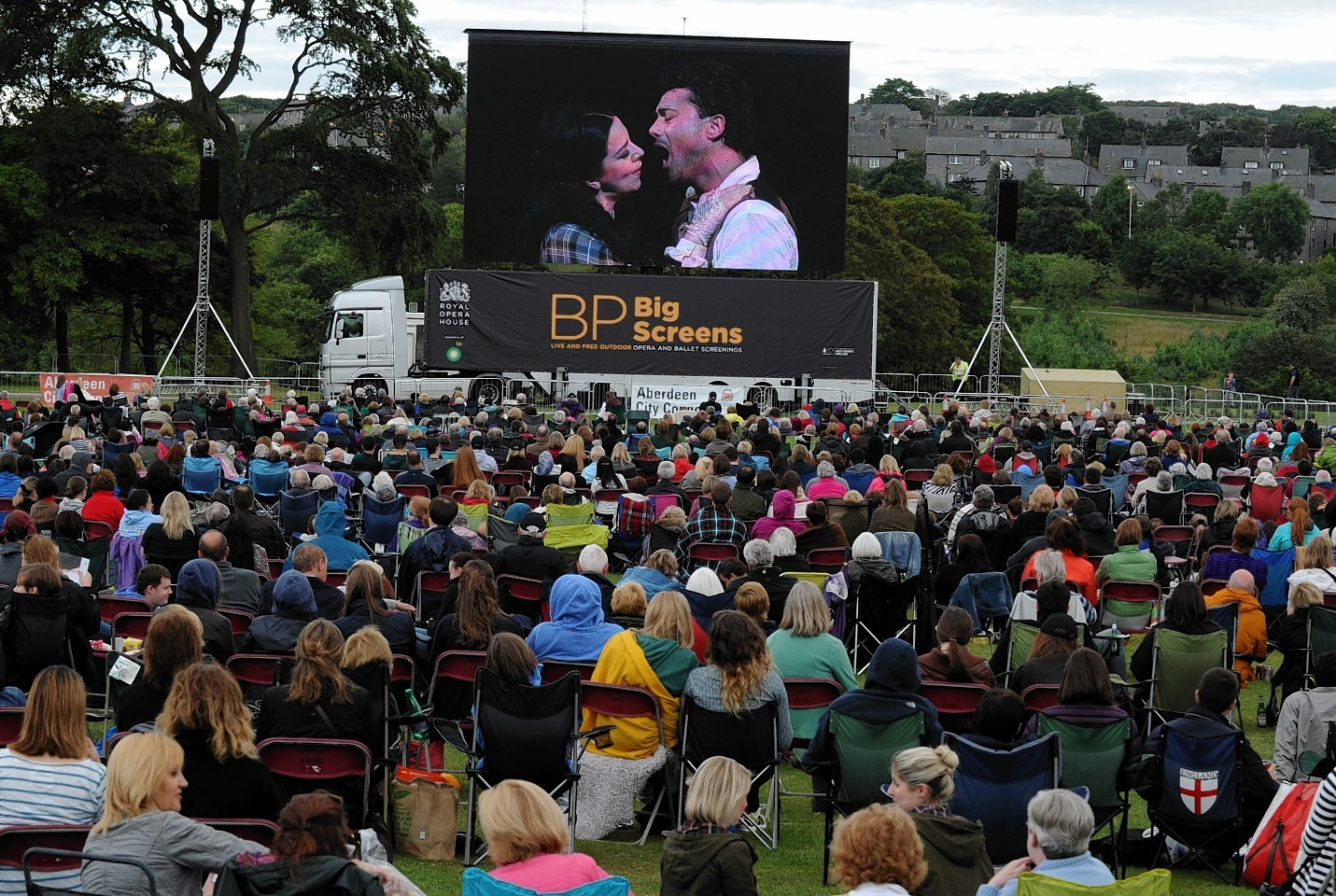 The screening will take place at Duthie Park tonight