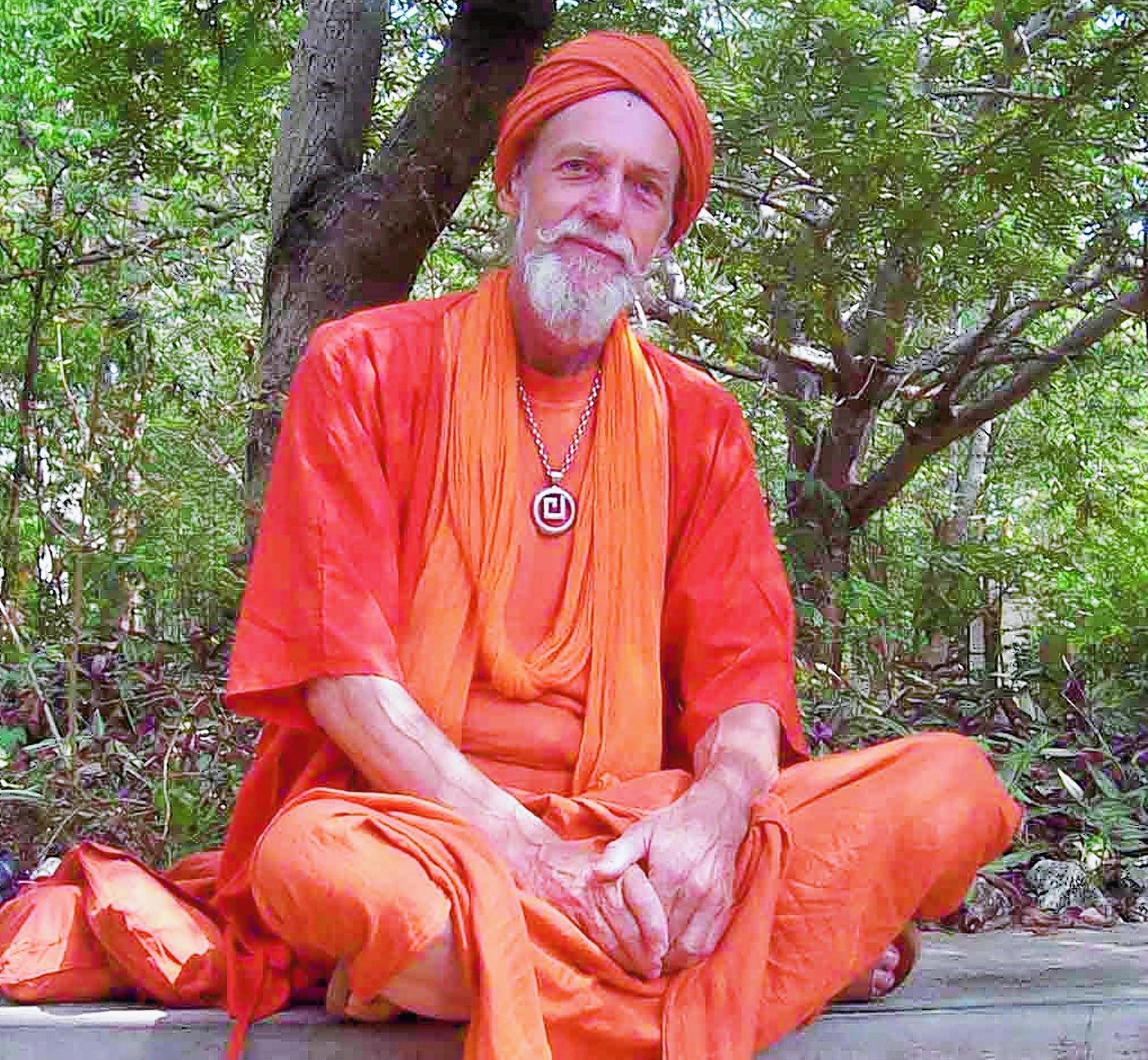International yoga master Muz Murray