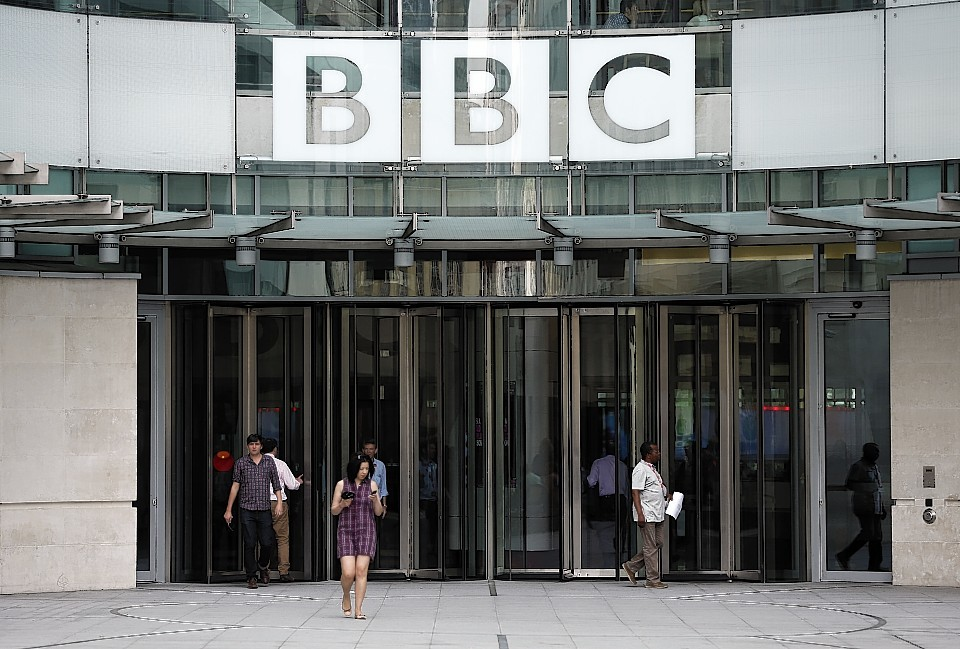 Scottish viewers will lose BBC programmes in the event of a Yes vote, according to former corporation director general Lord Birt.