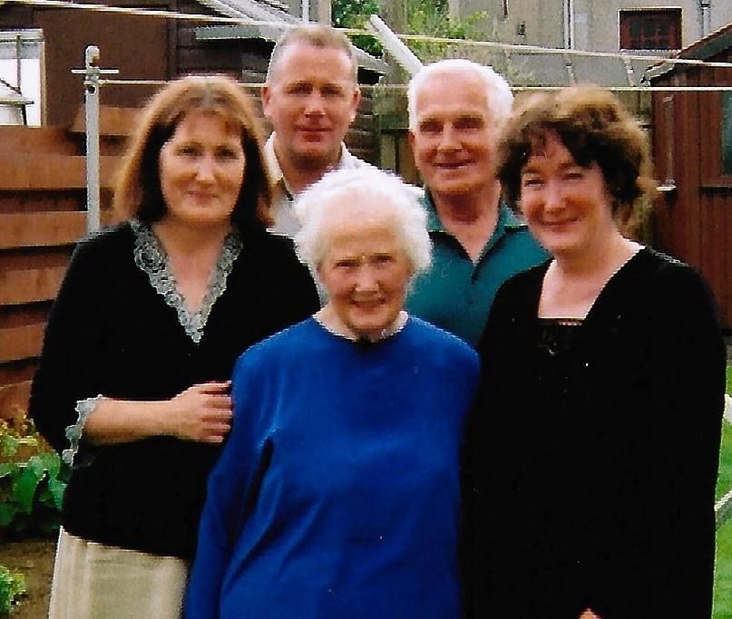Gladys and Sandy Burr, with their three children Irene, Sandy Jnr and Sandra