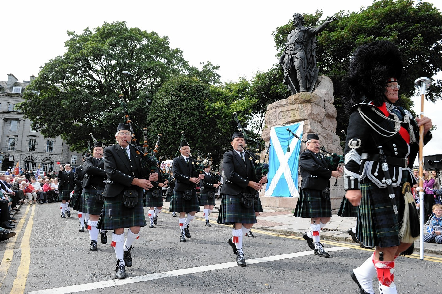 Kintore Pipe Band lead the commemorations