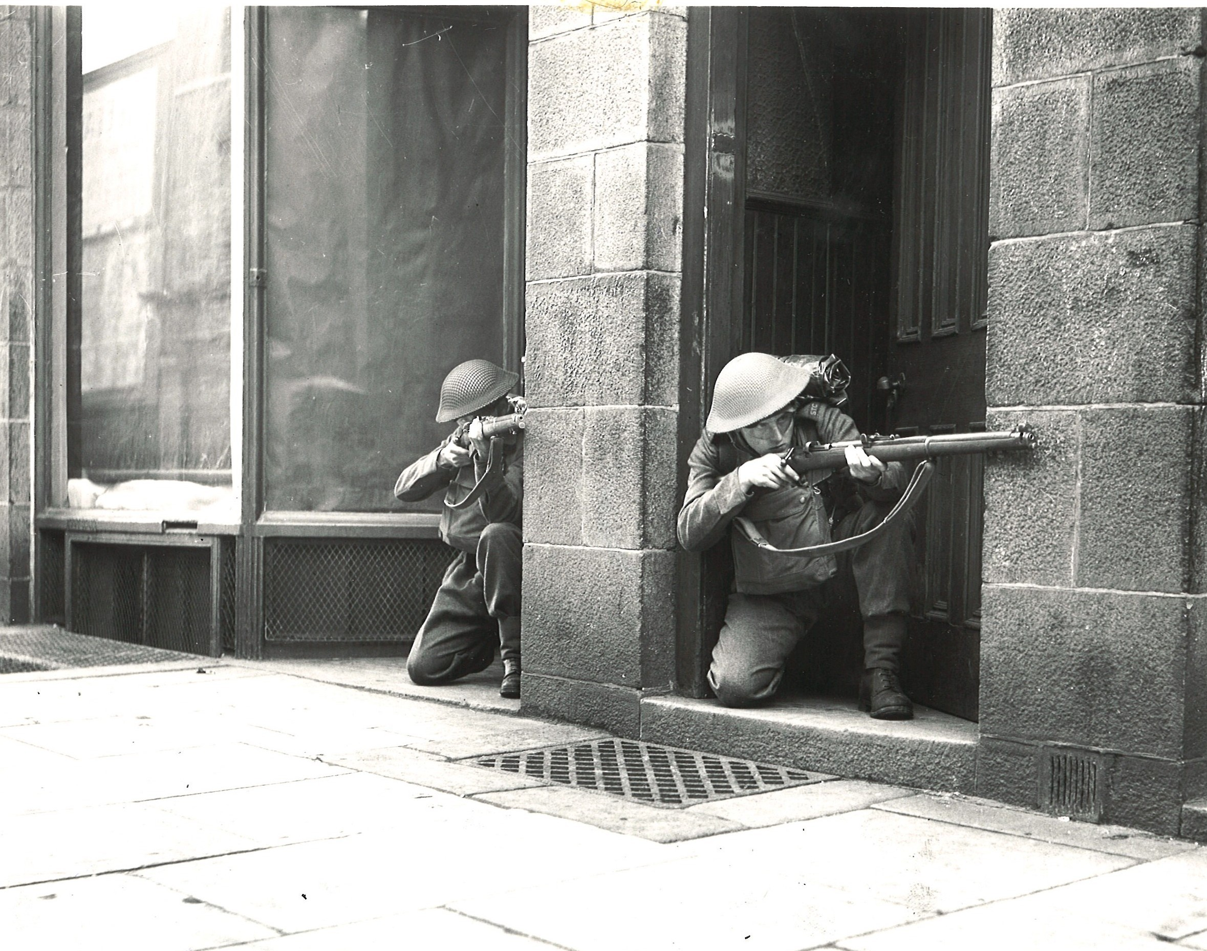 MAY 1942 - two pupils of the Aberdeen School of Street Fighting get in a little practice
