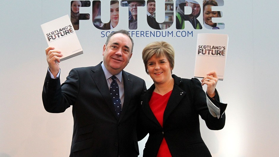 Nicola Sturgeon and Alex Salmond present their White Paper