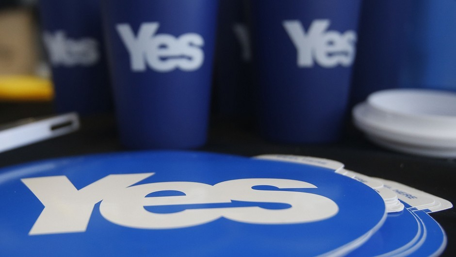 Yes banners stolen in Western Isles