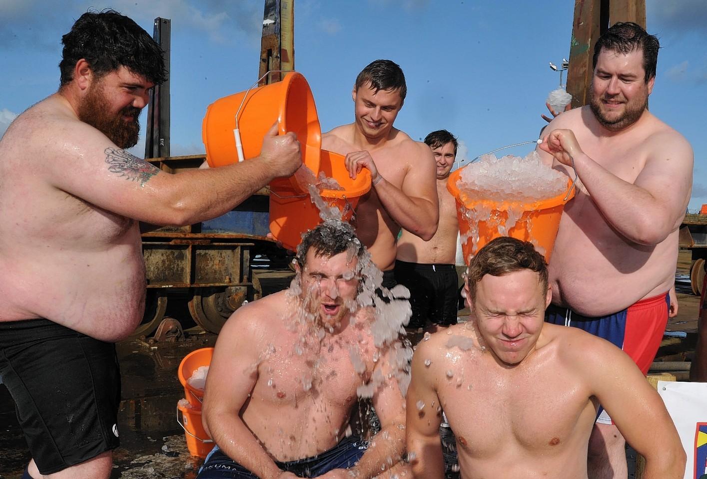 Peterhead rugby team do the ice bucket challenge