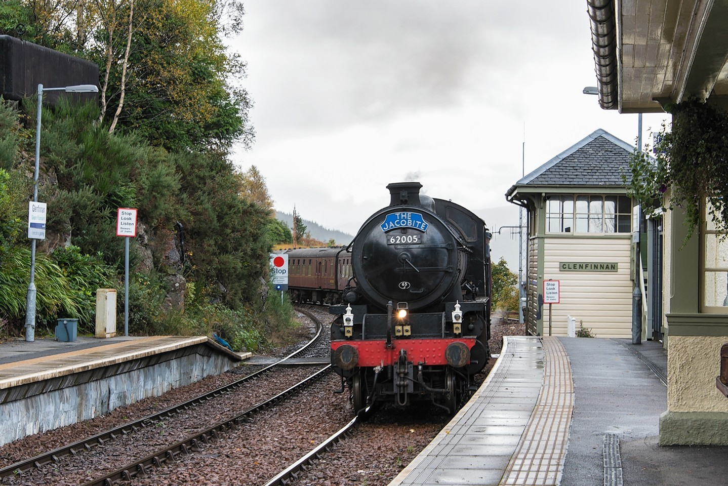 Trainspotters-4.jpg