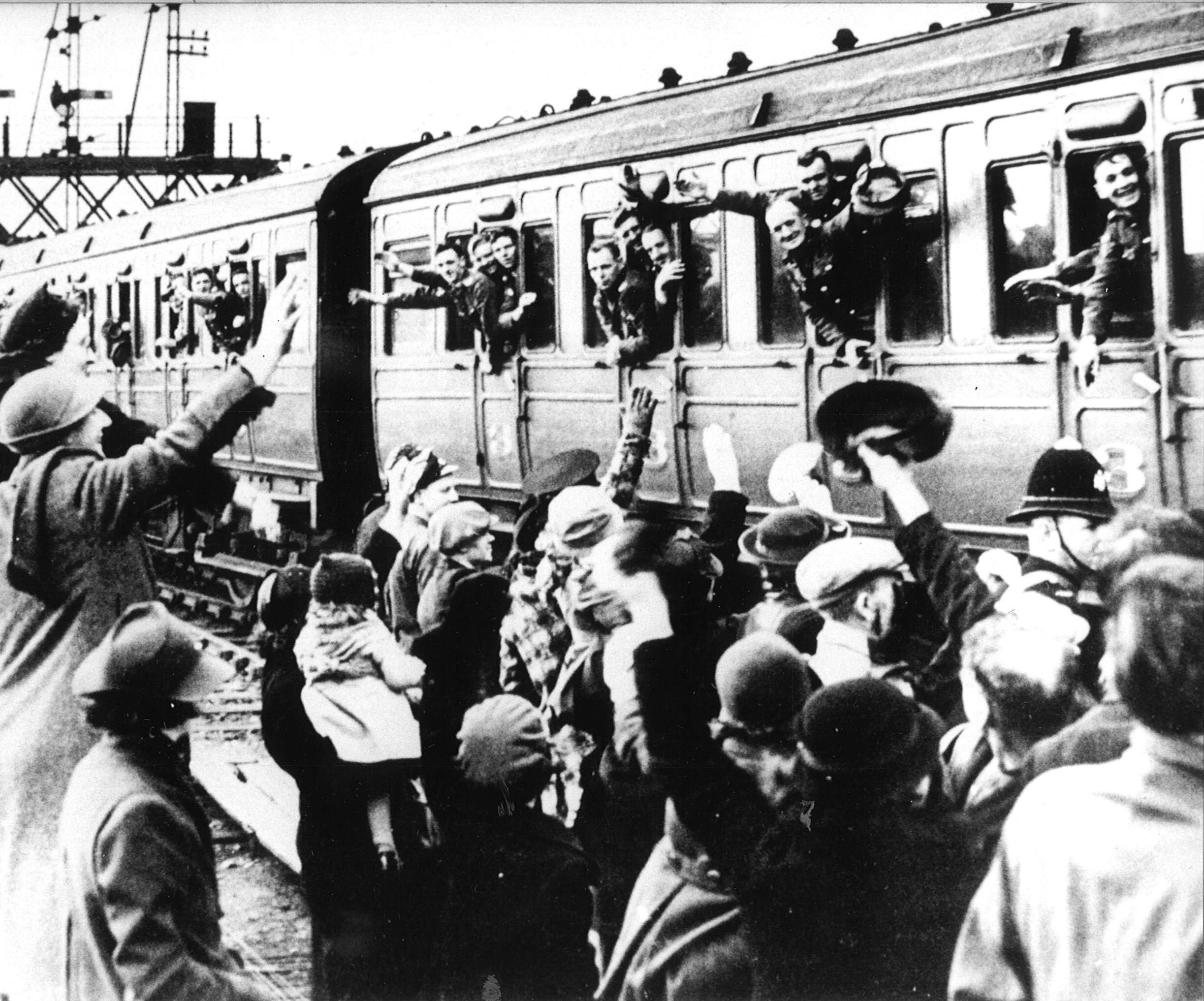 The troops say farewell at Aberdeen station