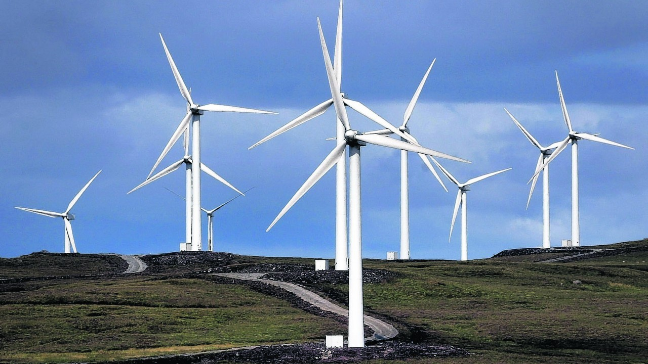 Anti-wind farm campaigners have attacked survey showing growing support for industry.