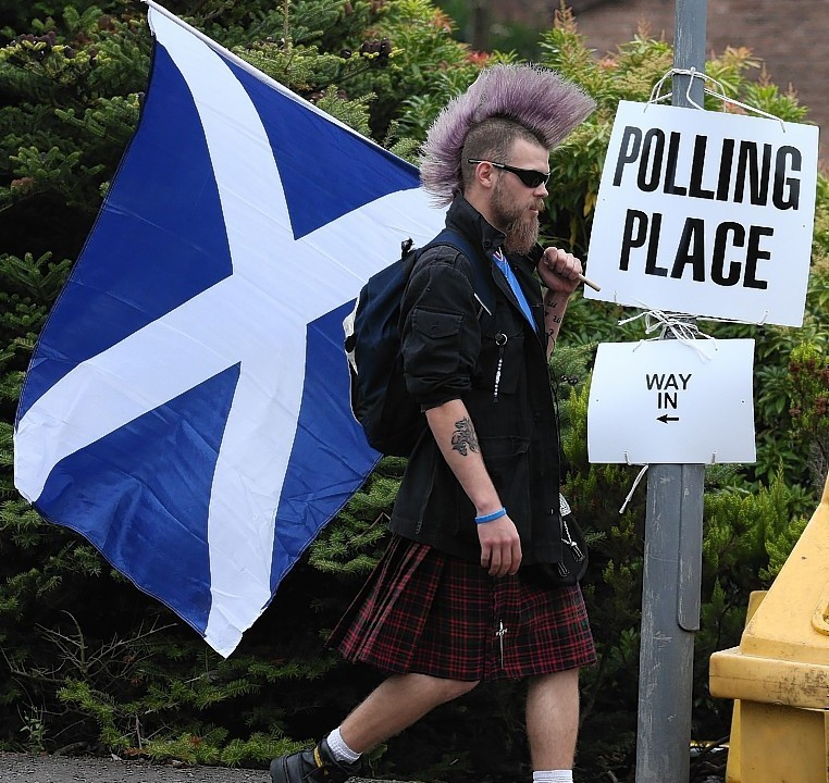 One of Scotland's most historic sites, Bannockburn, was greeted with a voter with a rather more modern haircut