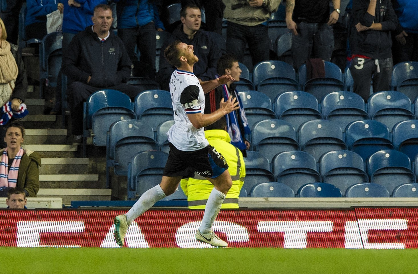 Gary Warren was left frustrated after his late goal was disallowed for offside