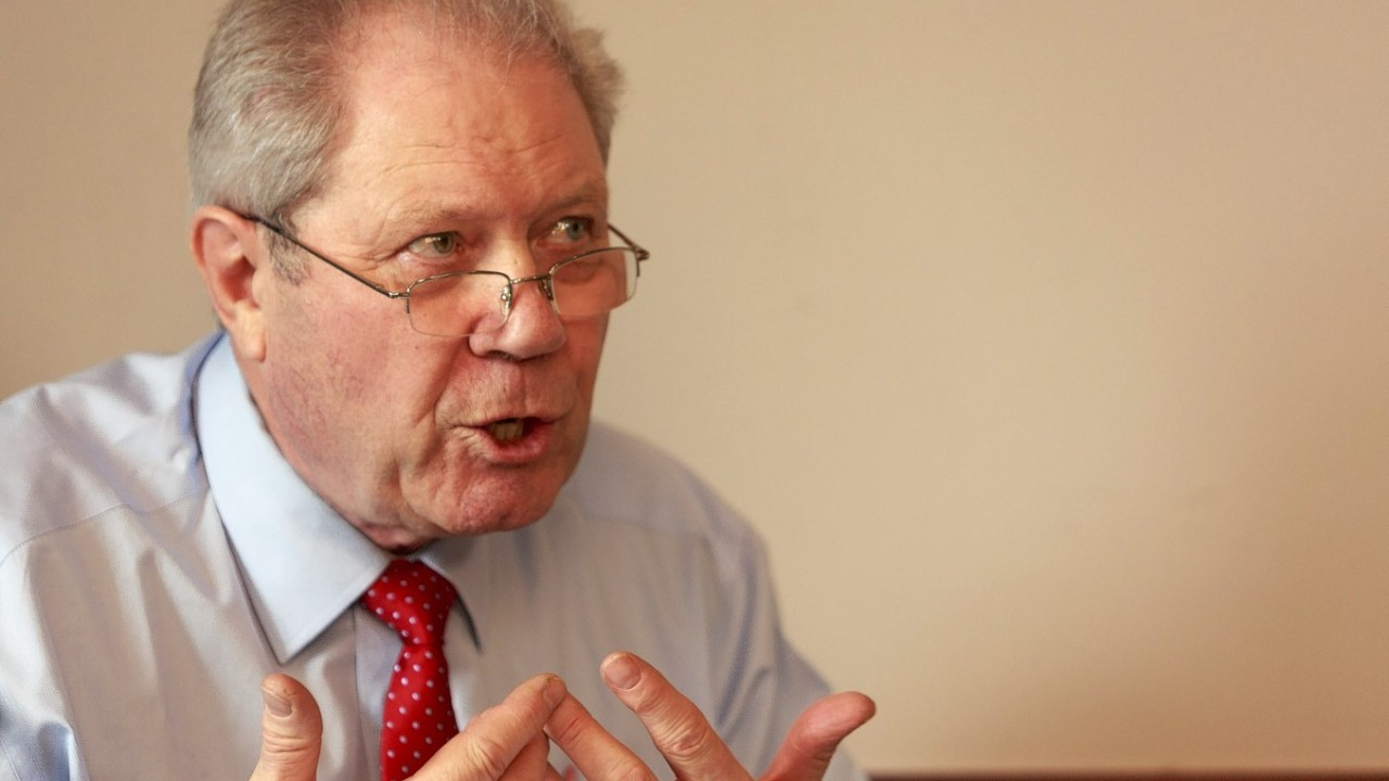 Left-wing independence campaigner Jim Sillars has thrown weight being Keith Brown as new SNP deputy leader.