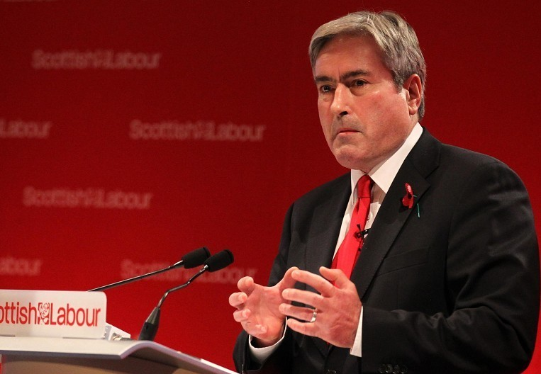 Acting Scottish Labour leader Iain Gray  accused the Scottish Government of failing to address the problem