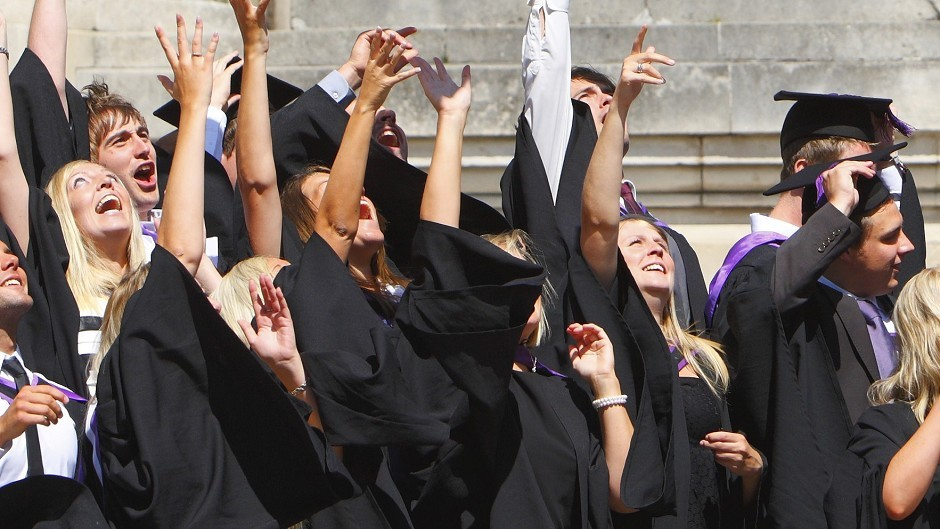 A poll claims more than half of university academics and staff are likely to vote no to independence