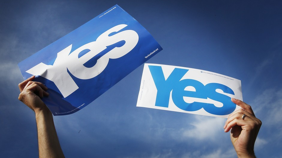 A horse representing Yes Scotland beat a Better Together rival at Musselburgh racecourse