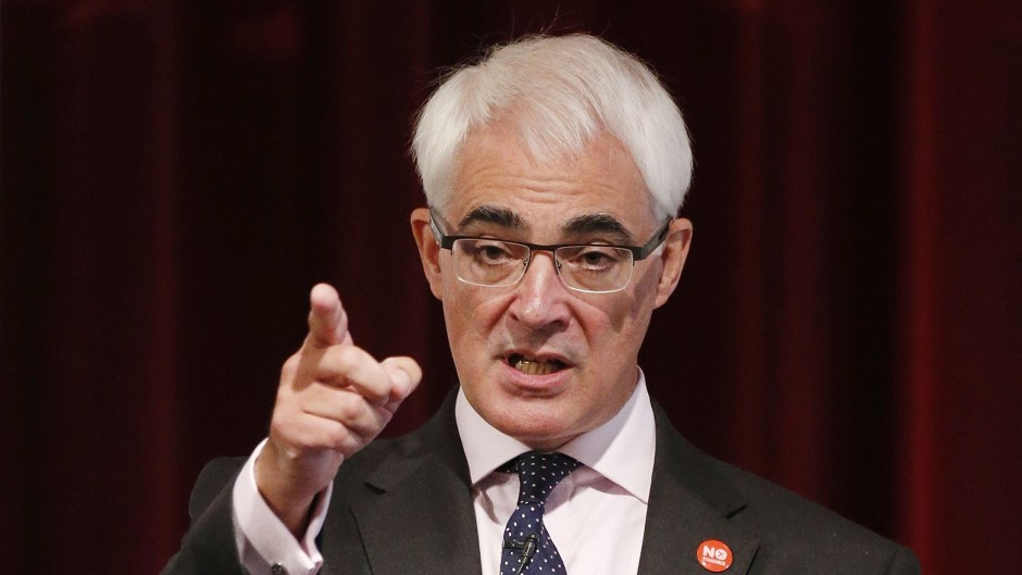 Better Together leader Alistair Darling warned that fall in share prices of Scottish companies is a sign of risks on independence.