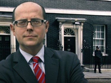 BBC political editor Nick Robinson was heckled by independence supporters at a rally in Perth