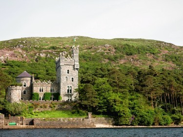 Castle and river view at Glenveagh National Park