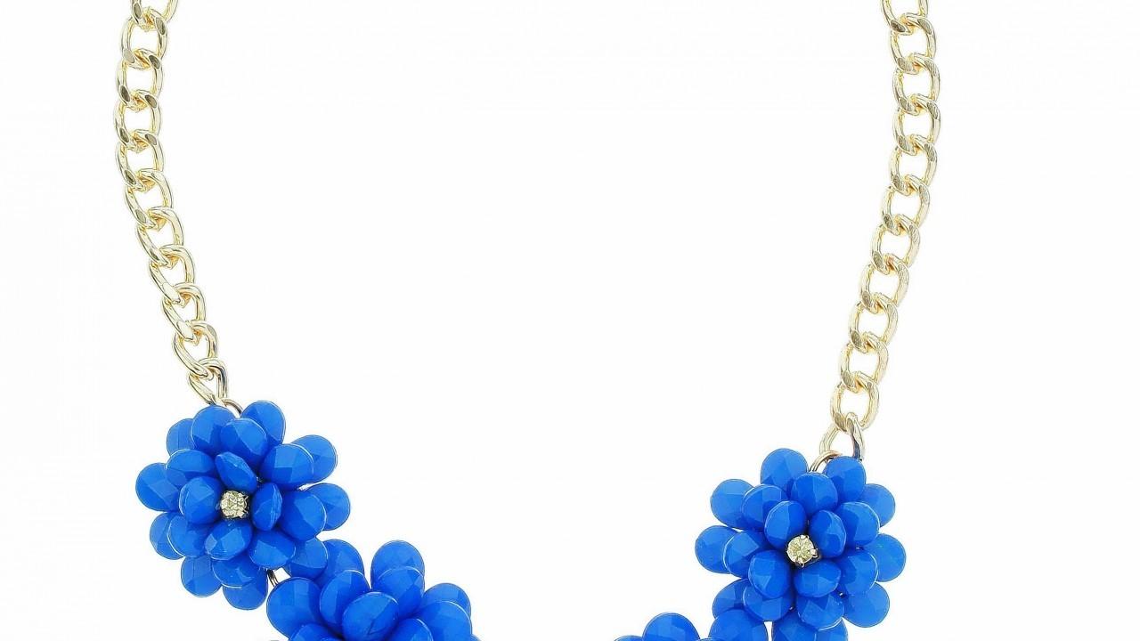 Dorothy Perkins 3D bead flower necklace, £12.50