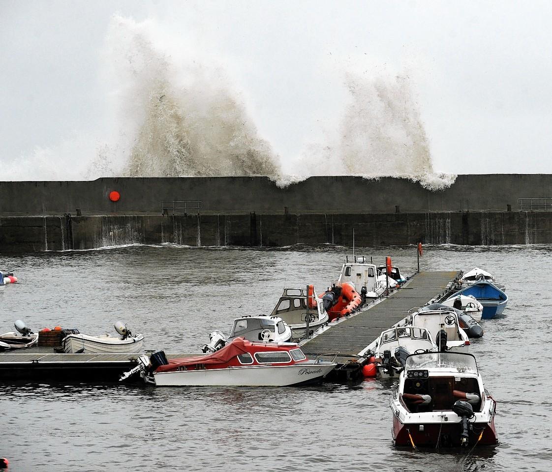 Ballintore-Harbour-high-waves.jpg