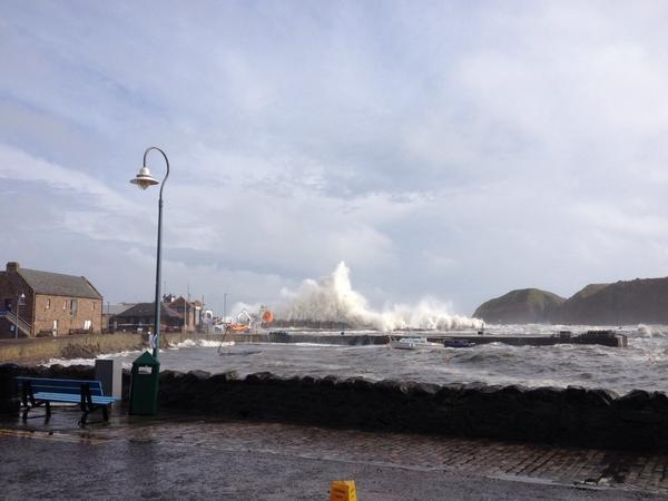 Big waves are starting to flood Stonehaven beachfront