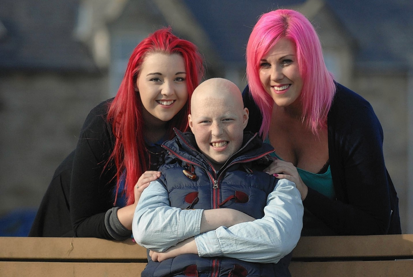 Dion Yates with her sister Jacy and mum Kerry
