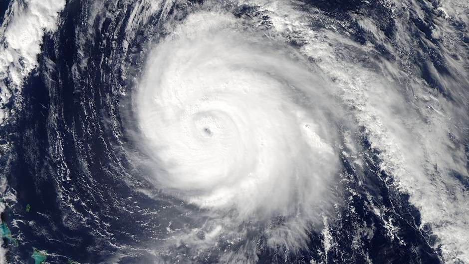 Hurricane Gonzalo to hit UK