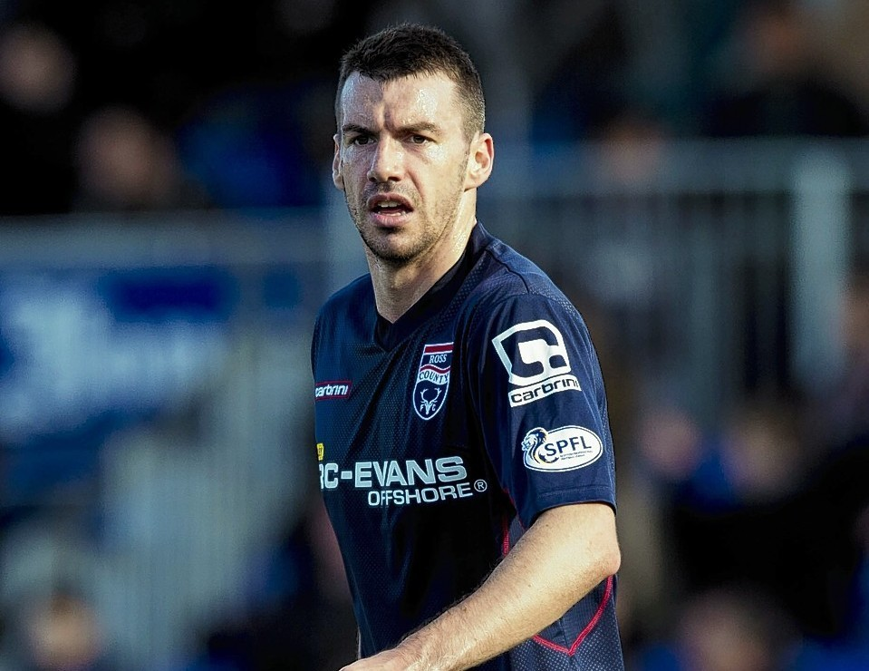 Paul Quinn is set to sign for Aberdeen today