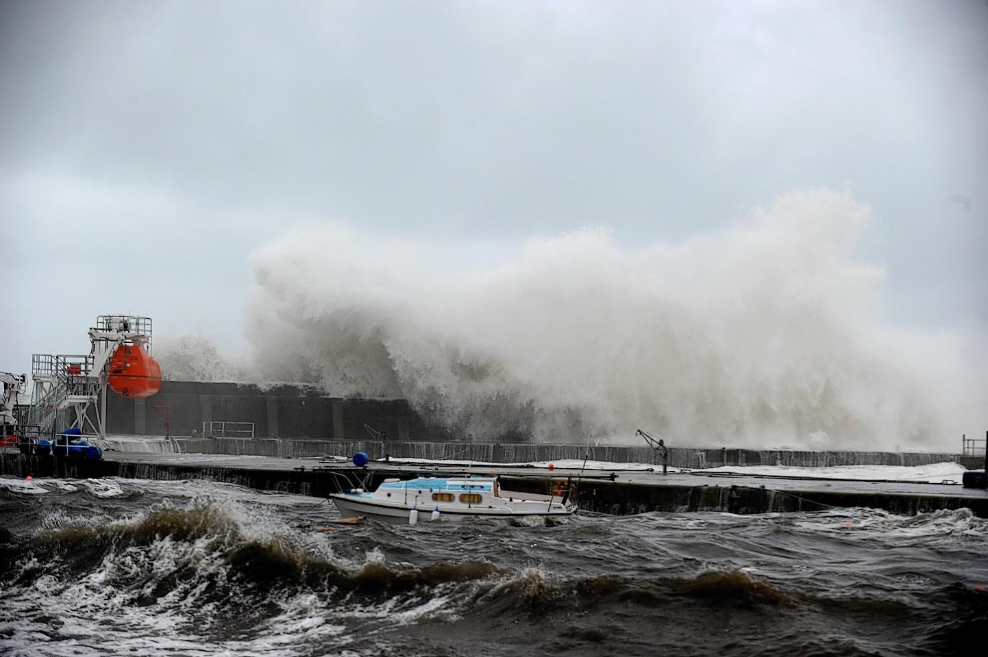 Waves batter Stonehaven Harbour