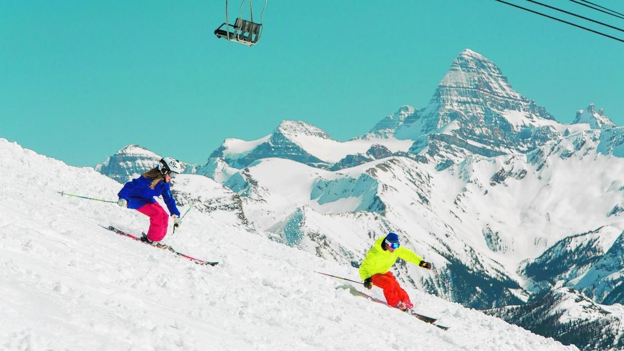 People ski-ing on Mount Assiniboine