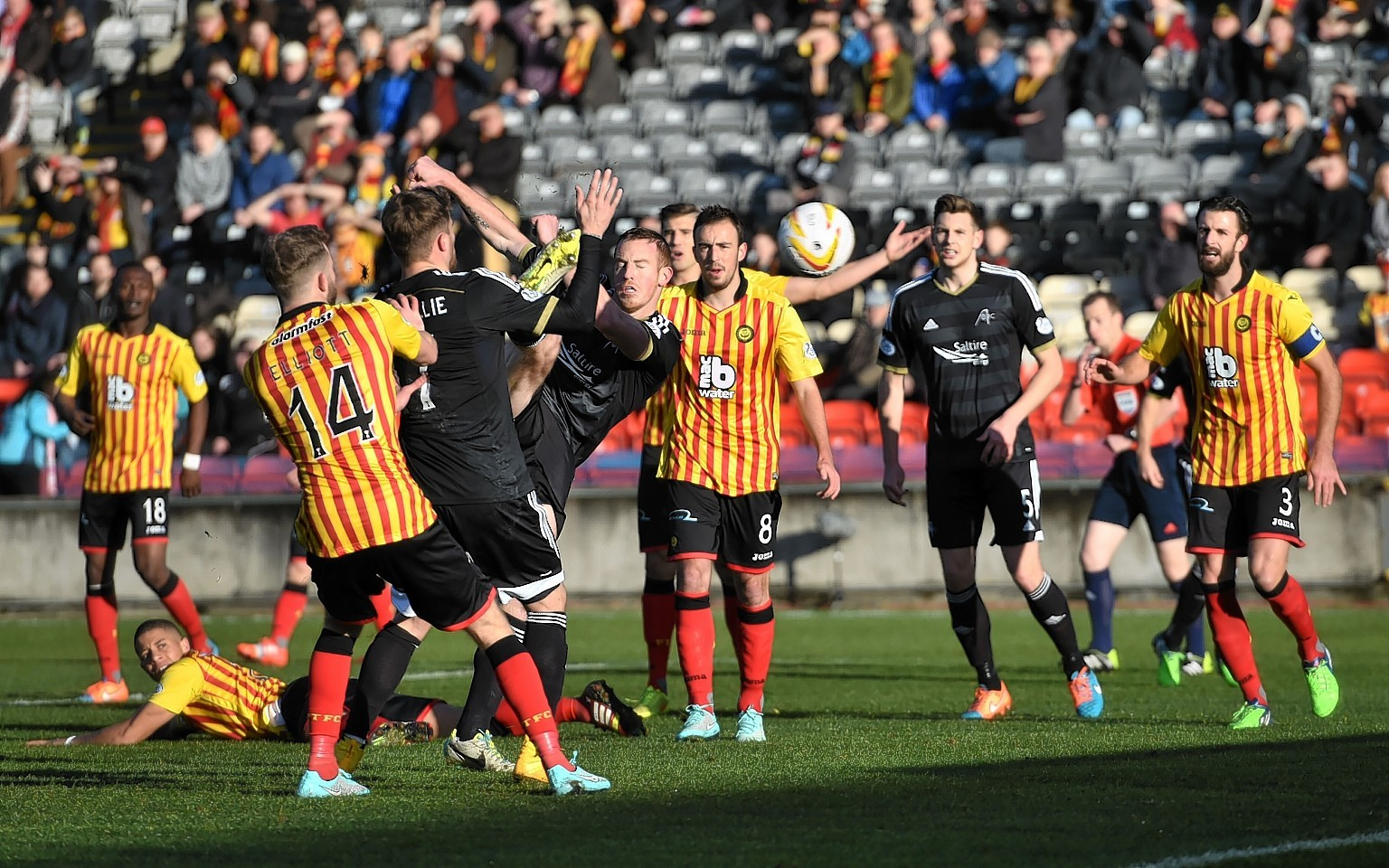 This first half Adam Rooney goal was chopped off for an alleged push.