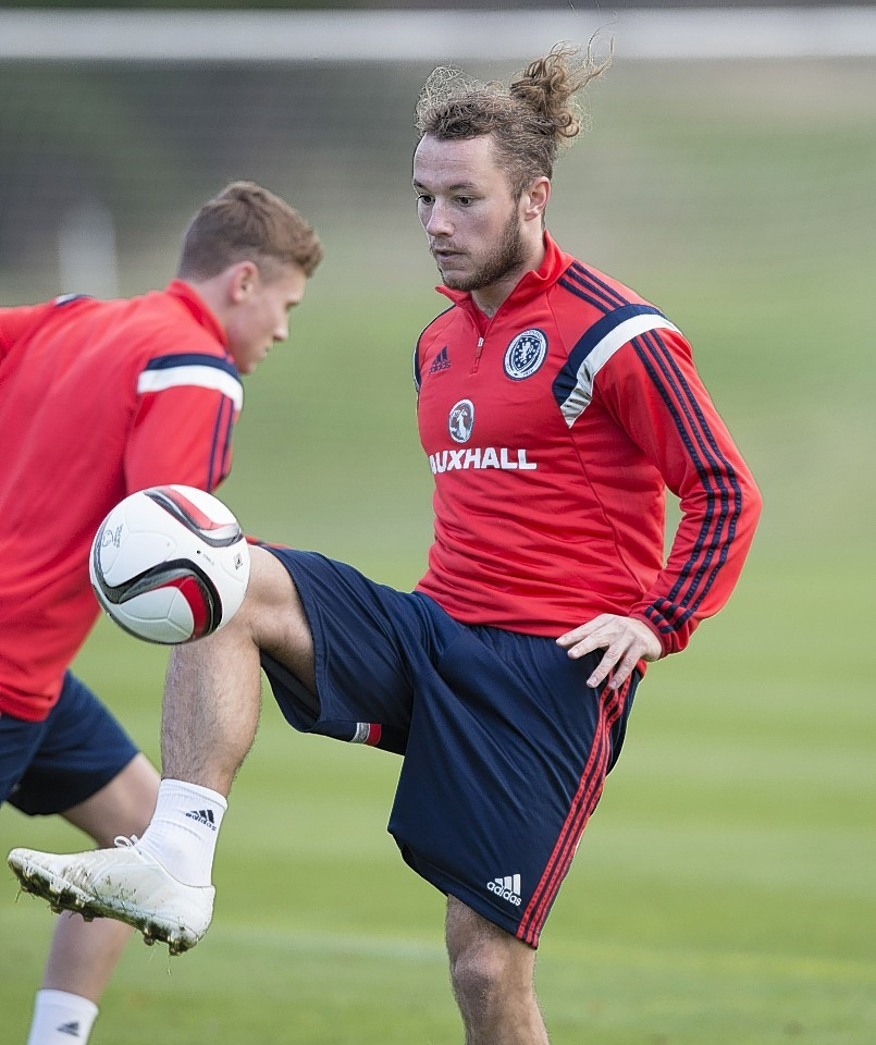 Scotland international Stevie May joined the Dons on Thursday.