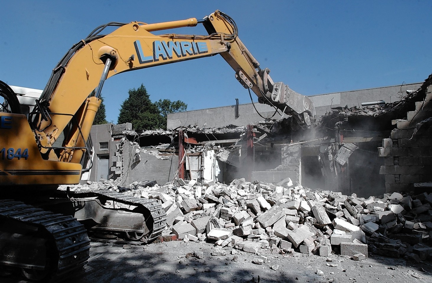 Dunbar Halls being demolished
