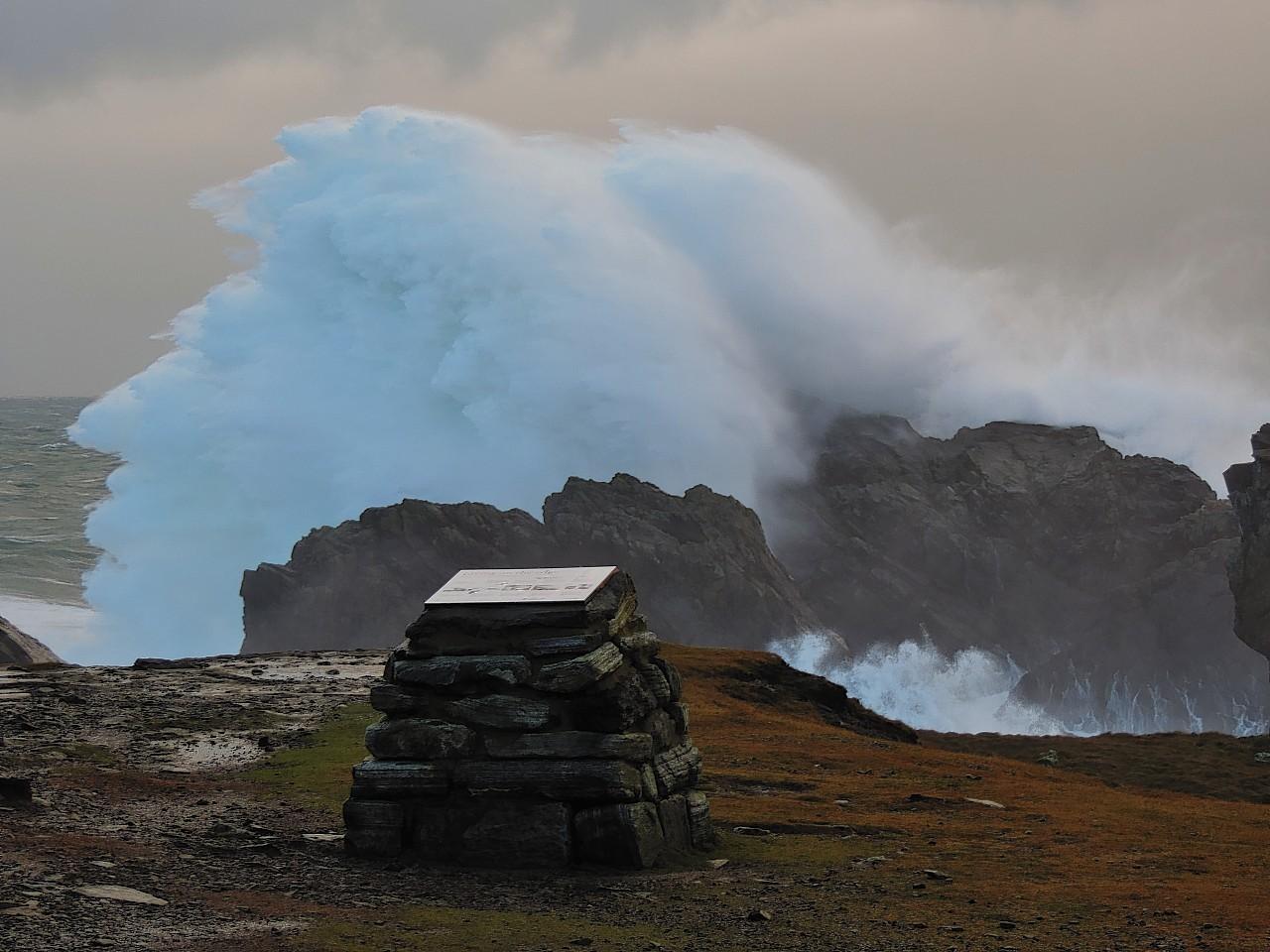 Hebridean waves picture by amateur photographer Ali Finlayson