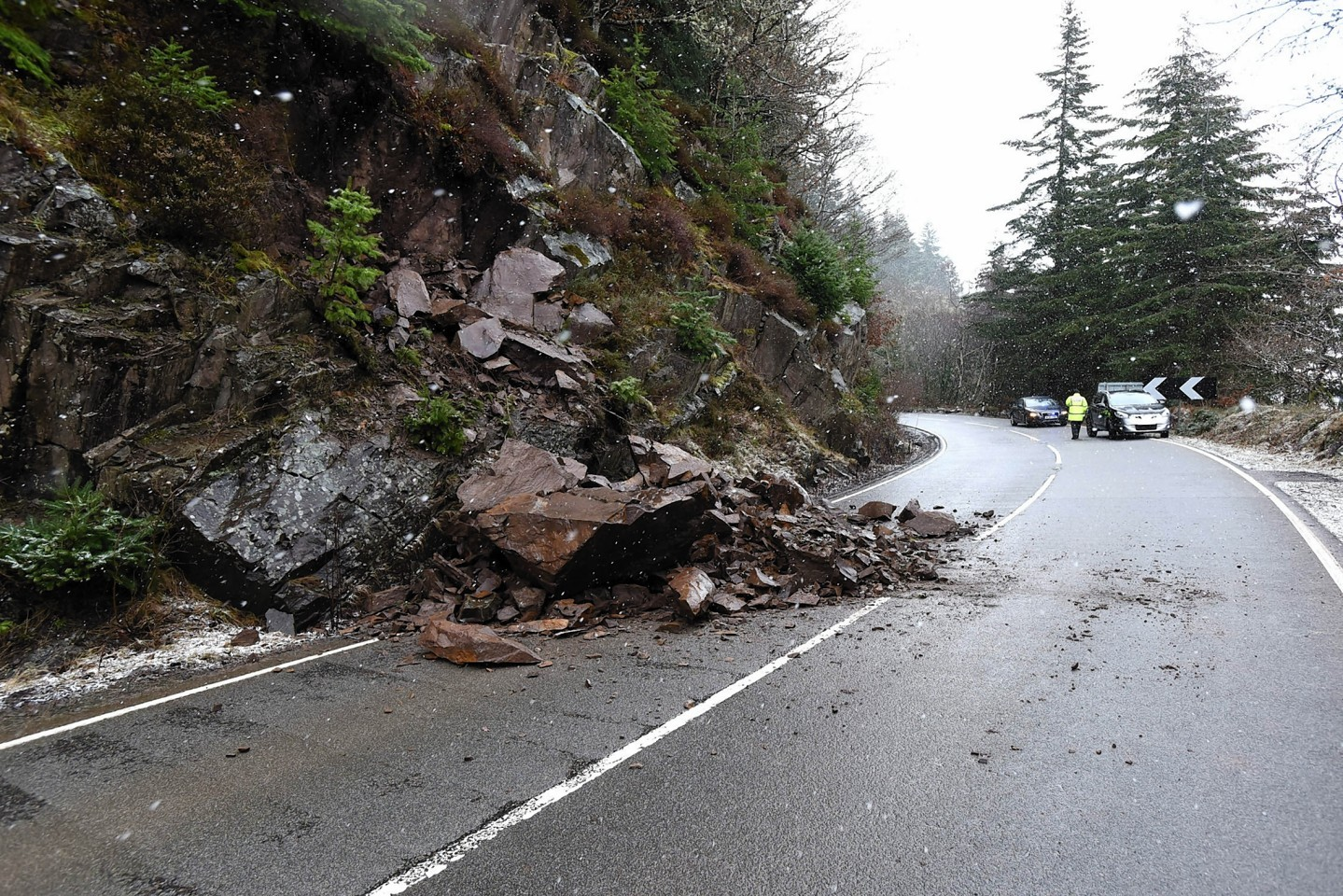 Boulders which fell on the A82 at a separate location  previously