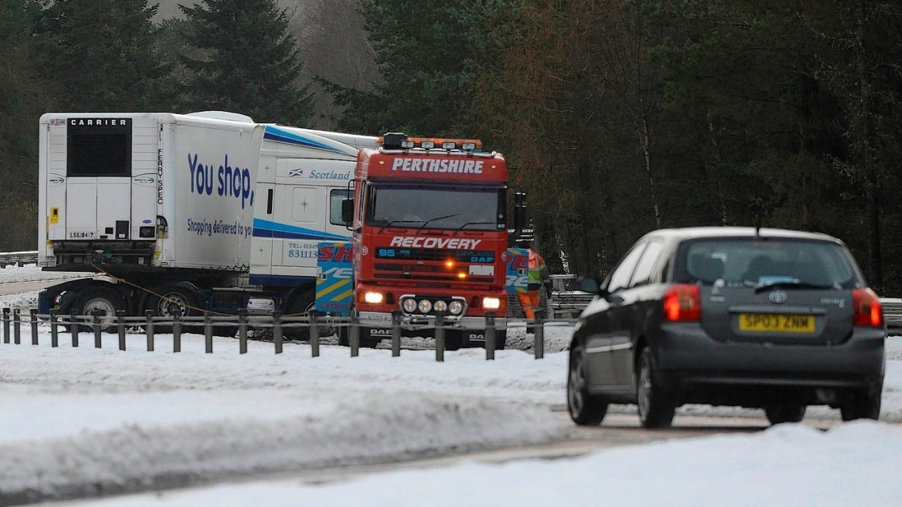 A lorry blocked the A9 near Pitlochry