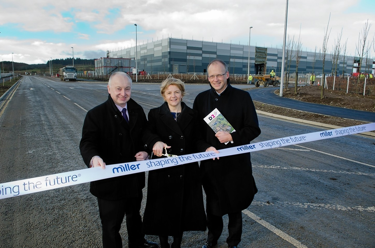 Leader of Aberdeen City Council, Jenny Laing, cuts the ribbon to declare D2 Business Park open for business
