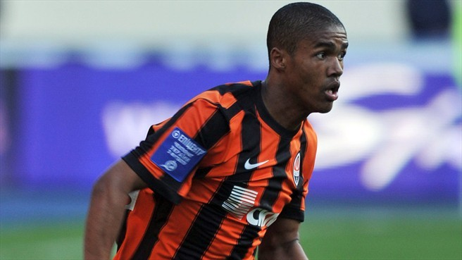 Chelsea have been linked with Douglas Costa throughout January and today apparently made an official bid