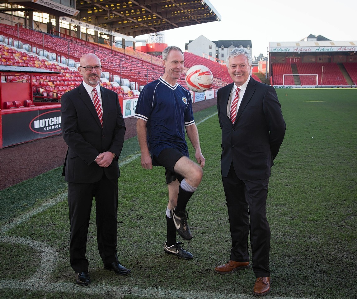 Jim Murphy show's his skills at Pittodrie