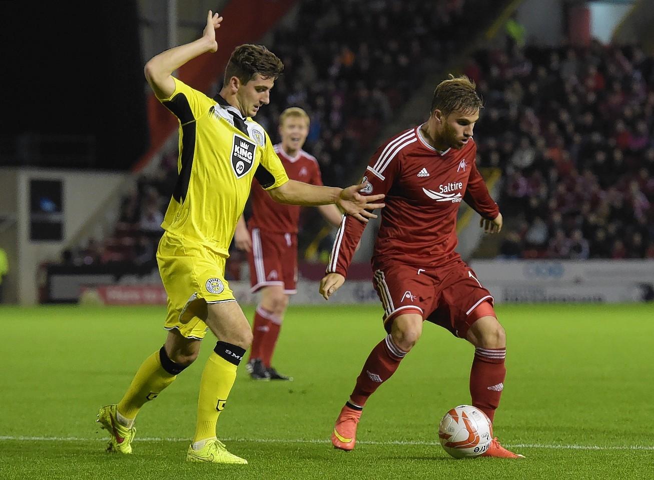 McLean closes down David Goodwillie when St Mirren met Aberdeen earlier this season