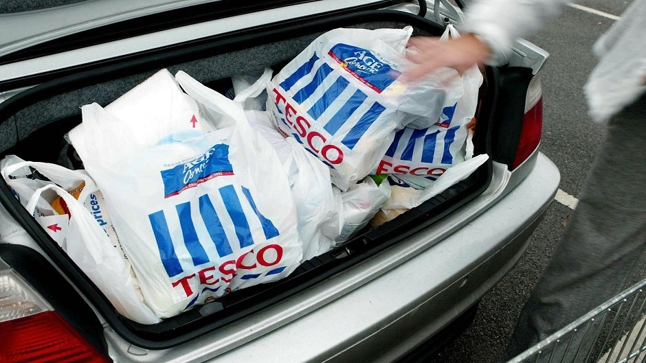 Chief executive Dave Lewis said that Kirkcaldy's Tesco superstore will close, affecting 189 posts