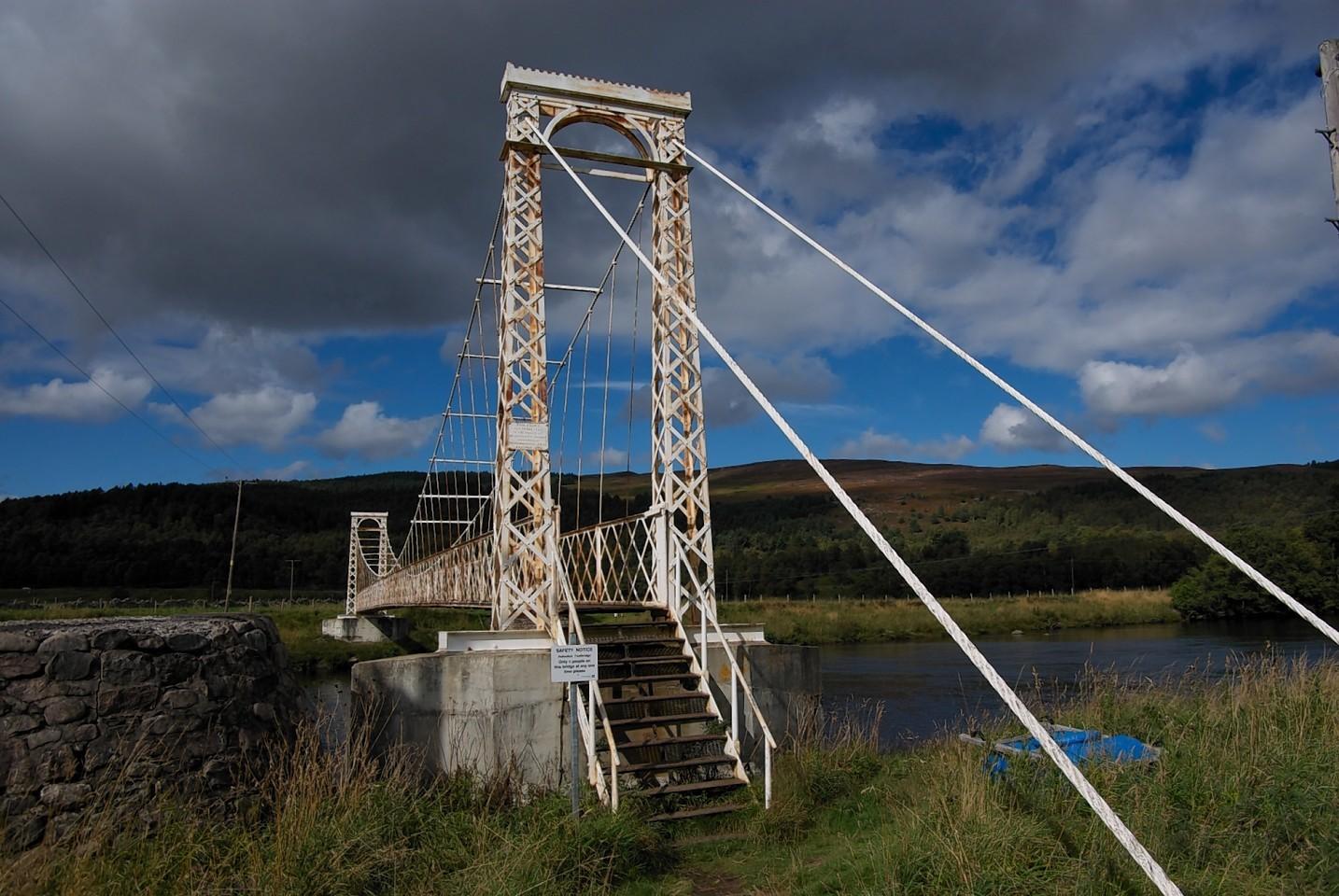 Polhollick Suspension Bridge, Ballater