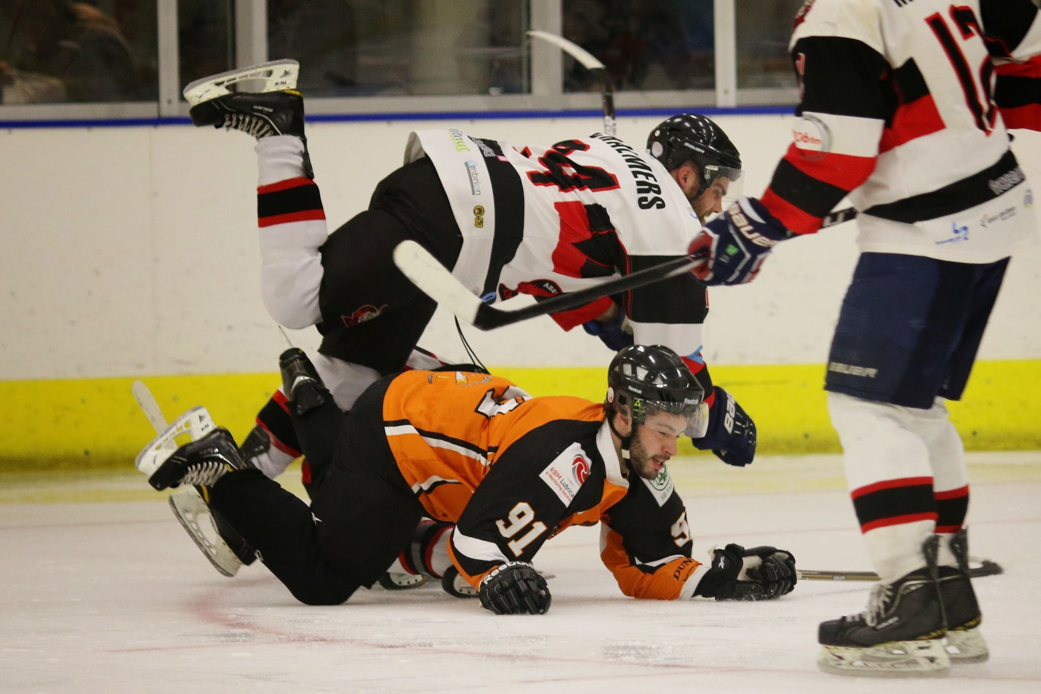Aberdeen Lynx saw off North Ayrshire Wild 8-1 to set up a semi-final with Dundee Tigers