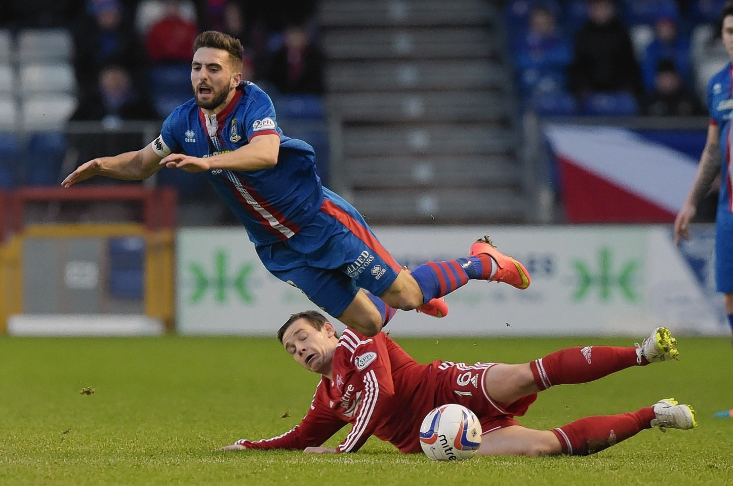 Graeme Shinnie is expected more hard fought battles with Aberdeen between now and his summer move