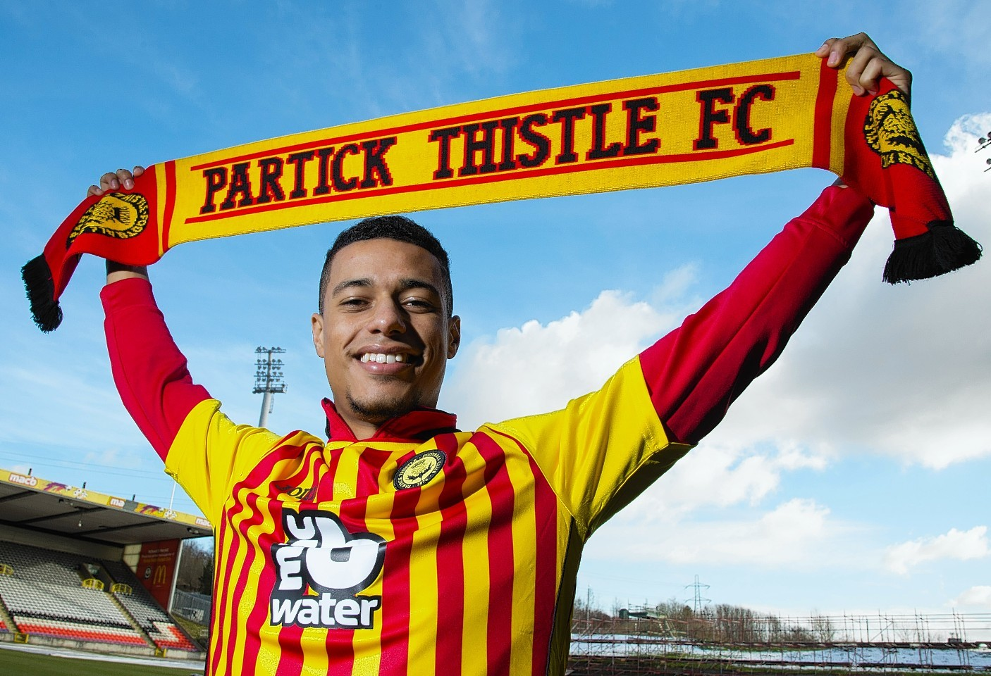 Lyle Taylor could make his return to the Thistle starting team