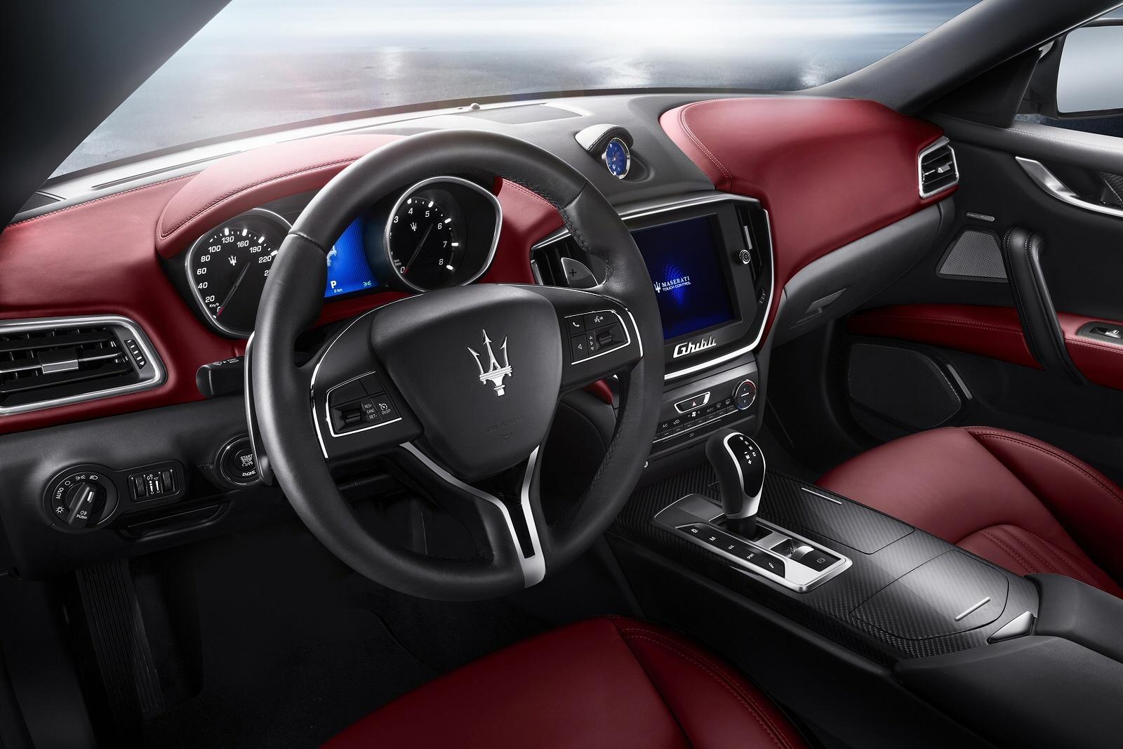 MaseratiGhibli0913Int