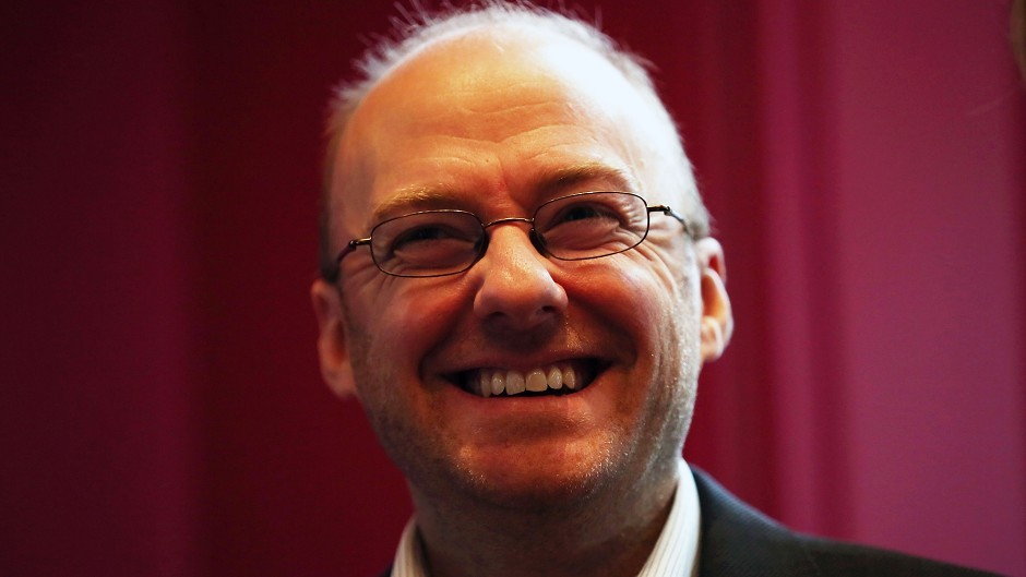 Green MSP Patrick Harvie said people would not have to rely on benefit top-ups with a £10 minimum wage.