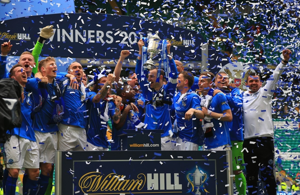 St Johnstone celebrate lifting the 2014 Scottish Cup