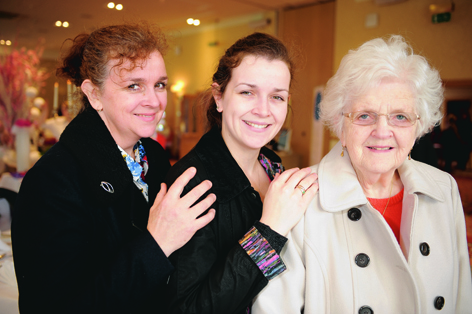 Bride-to-be Isla McCreath (centre) with her mother Joanne and her granny Sheena Shaw